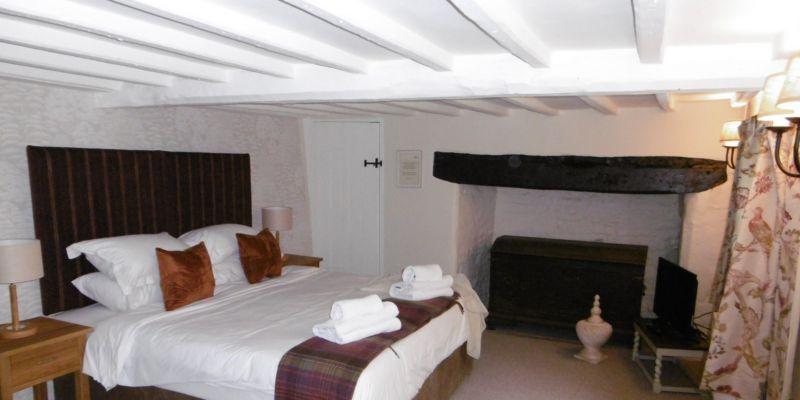 Slys Bed (2)